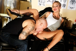 Kleio Valentien Tattoo Saloon Sex - pics 08