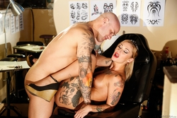Kleio Valentien Tattoo Saloon Sex - pics 12