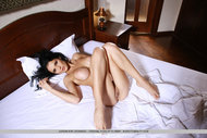 Dark Haired Busty Daemon Naked - pics 08