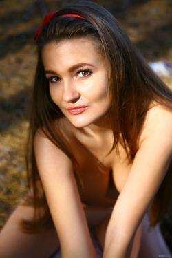 Big Boobed Brunette Beauty Sanya - pics 17