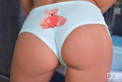 Melena Maria Shows Panty Cameltoe - pics 06
