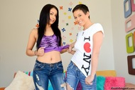 Horny Jeans Babes Sucking Cock - pics 02