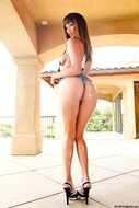 Awesome Oiled Big Booty Pics - pics 01