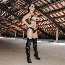 Oiled Babe Nekane in Shiny Boots - pics 03