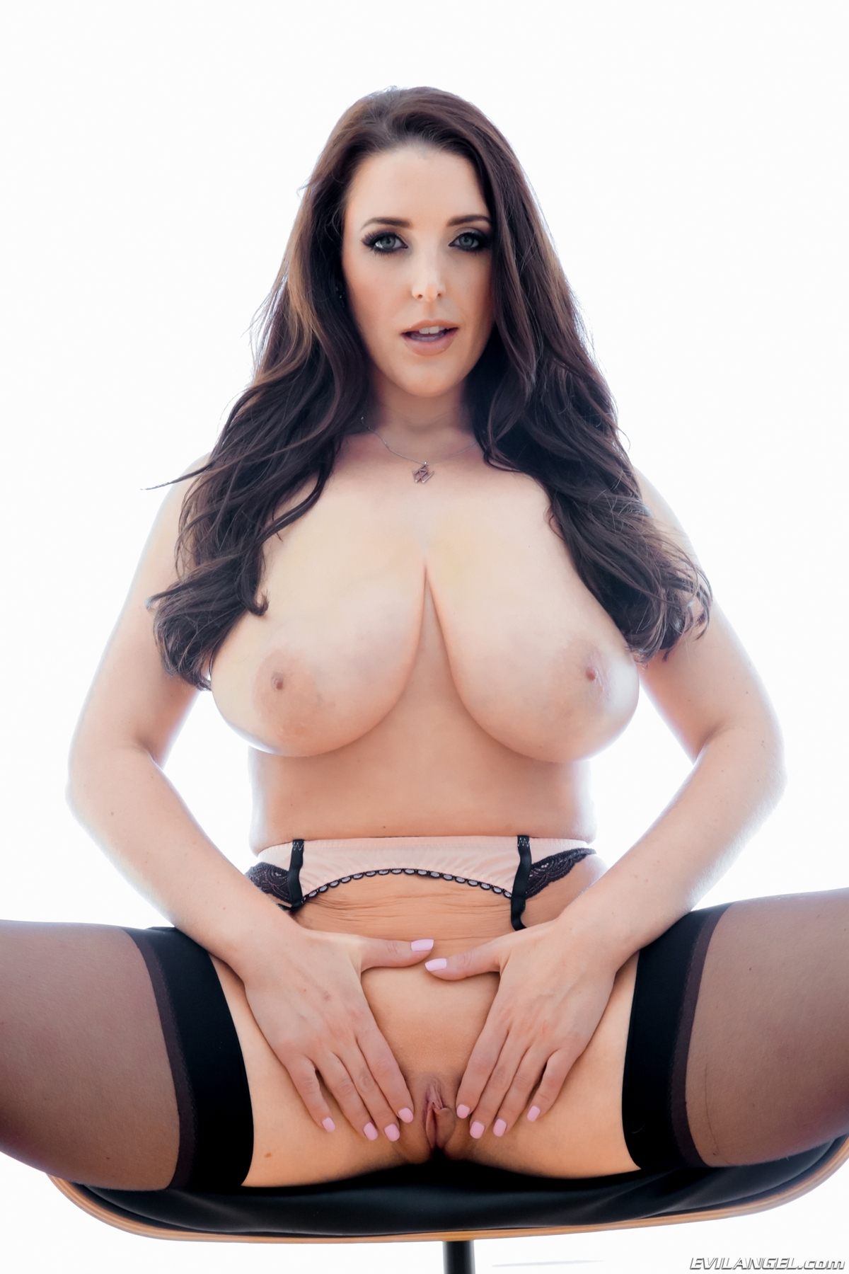 Huge Boobed Pornstar in Stockings - picture 07