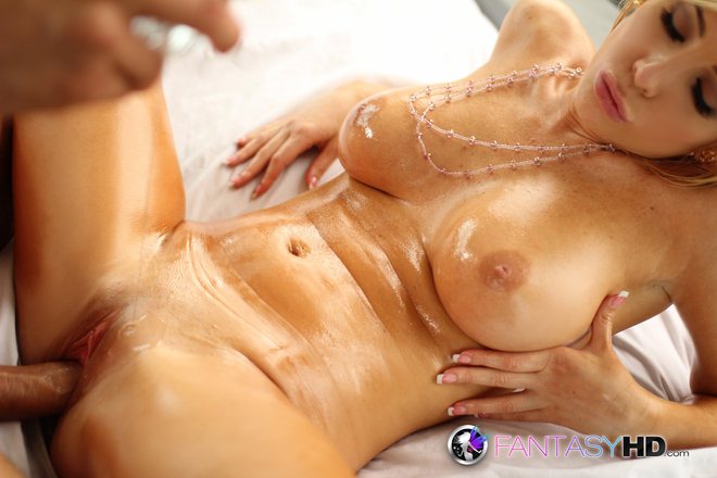 Tasha Reign Oiled Bitch Fucking - picture 03