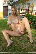 Carol Goldnerova Nice Big Boobs - pics 08