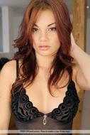 Beauty Redhead Babe Nici Nude - pics 01