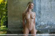 Tall and Busty Bombshell Carisha - pics 13