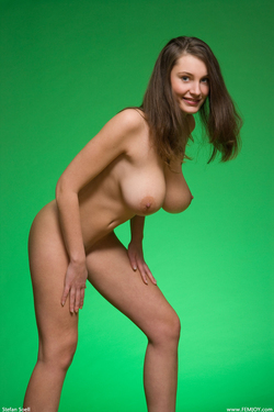 Big Boobed Ashley Framed in Green - pics 06