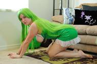 Big Titted Danielle Green Hair Green Porn - pics 03
