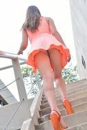 Jeri Fucks her Big Orange Heels - pics 01
