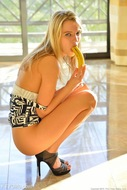 Leggy Model Kenna Banana Fuck - pics 07