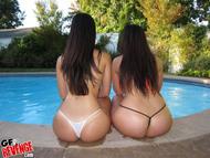 Damn Hot Latinas by the Pool - pics 10