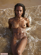 Hot Ebony Valerie Private Beach Party - pics 01
