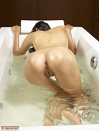 Asian Girl Shaved Pussy Pictures - pics 07