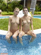 Coxy and Flora - Hot Pool Party - pics 14