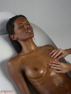 Sexy Ebony Valerie Oily Touch - pics 08