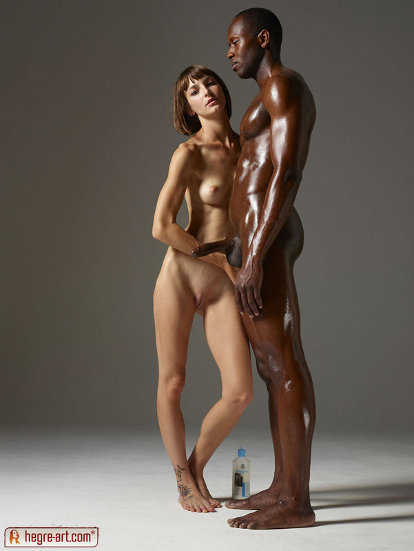 Flora Creaming a Big Black Dick - picture 04
