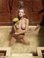 Sexy Coxy Wet and Beautiful - pics 12