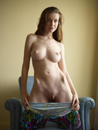 Emily Bloom Amazing tight Body - pics 02
