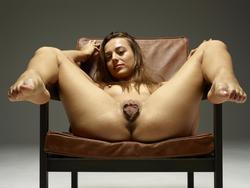 Sexy Dominika C Giant Pussy Lips - pics 12