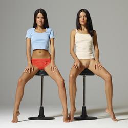 Long Legged Beauties Spreading - pics 02