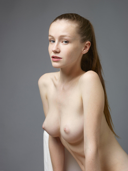 Sexy Emily Bloom Studio Sitting - pics 06