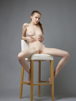 Sexy Emily Bloom Studio Sitting - pics 13