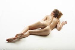 Katia Fucking Hot Oiled Babe Poses - pics 03
