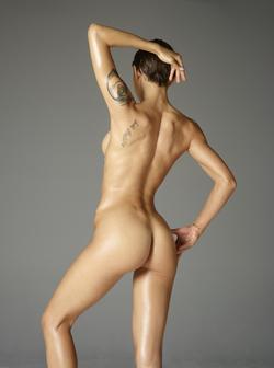 Tattooed Rose Acrobatic Erotics - pics 01