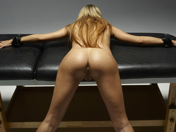 Nasty Girl Leyla Shows us her Hot Ass - pics 14