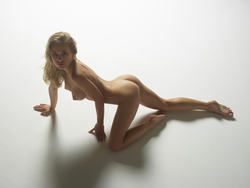 Tight Blonde Darina L Bodyscapes - pics 02