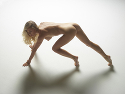 Tight Blonde Darina L Bodyscapes - pics 07