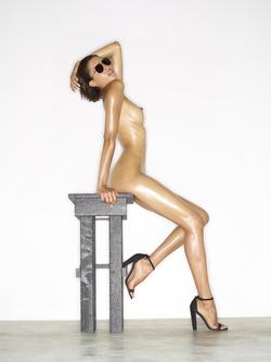 Leggy Babe Kasia James Bond Girl - pics 03