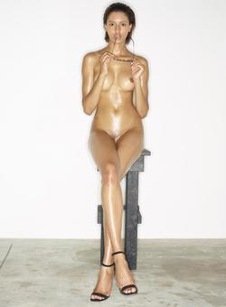 Leggy Babe Kasia James Bond Girl - pics 05
