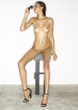 Leggy Babe Kasia James Bond Girl - pics 06