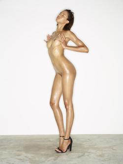 Leggy Babe Kasia James Bond Girl - pics 11