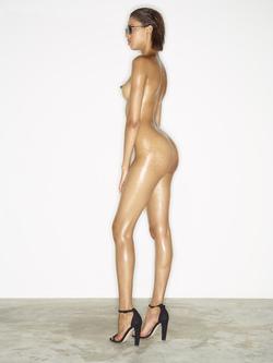 Leggy Babe Kasia James Bond Girl - pics 12