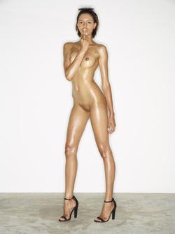 Leggy Babe Kasia James Bond Girl - pics 17