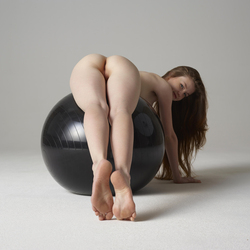 Sexy Emily Bloom Black Ball Game - pics 08