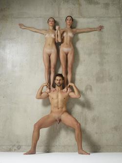 Julietta Magdalena Extreme Posing - pics 01