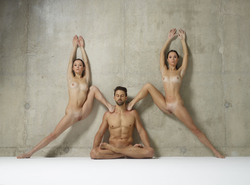 Julietta Magdalena Extreme Posing - pics 03