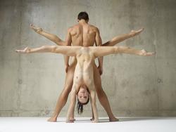 Julietta Magdalena Extreme Posing - pics 12