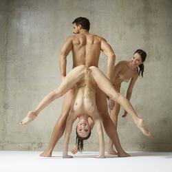 Julietta Magdalena Extreme Posing - pics 16