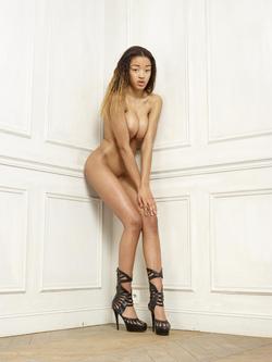 Beautiful Ebony Tyra Round Boobs - pics 10