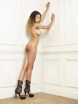 Beautiful Ebony Tyra Round Boobs - pics 15