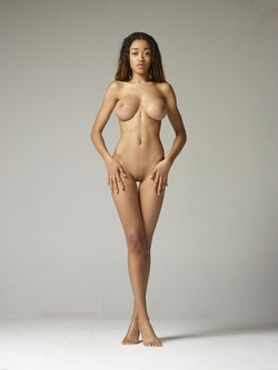 Beautiful Ebony Tyra Super Boobs - pics 08