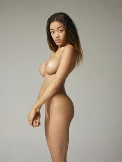 Beautiful Ebony Tyra Super Boobs - pics 10