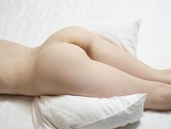 Emily Bloom Tigra Body Body Massage - pics 00